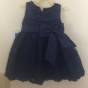 """Gorgeous """"satin and lace"""" dress   3m"""